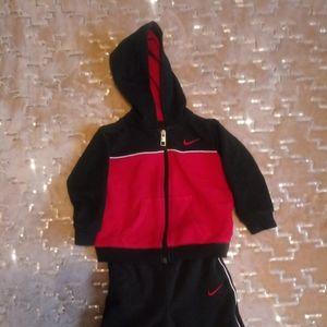 ❄3/$25❄ 18M Nike Sweatsuit